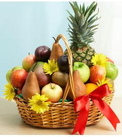 Deluxe Fruit and Pineapple Basket