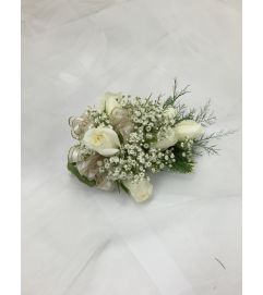 Classic Sweetheart Rose Corsage