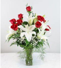 Classic Rose with Lily Arrangement