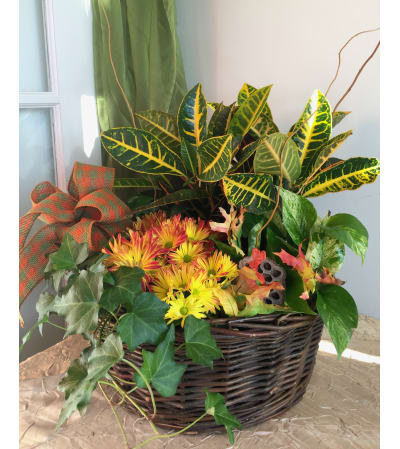 Exquisite Blooming Garden Basket