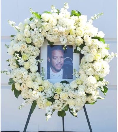 Glorious Memoriam Wreath
