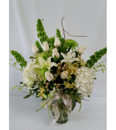 Elegant Christmas Bouquet