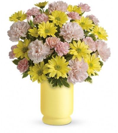 Teleflora's Bright Day Bouquet