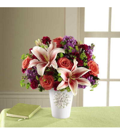 The FTD® California Chic™ Bouquet for Kathy Ireland Home