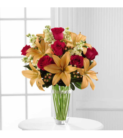 The FTD® Luxe Looks™ Bouquet by Vera Wang
