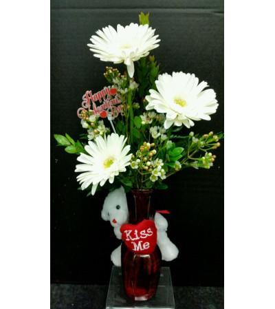 Kiss Me Bouquet