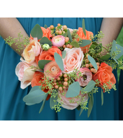 HANDTIED BOUQUET OF PEACH FLOWERS