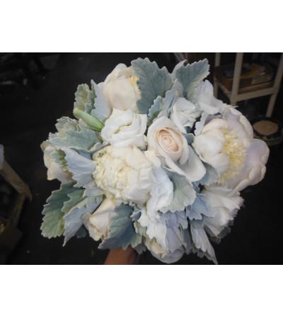bridesmaids hand tied bouquet