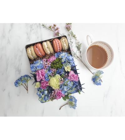 Bloom Box with Sugar by Tracy Macarons