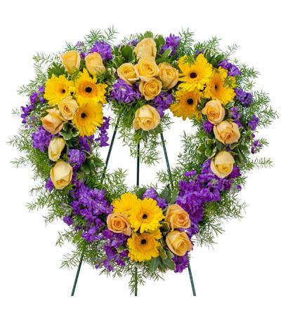 Vivid Memories Heart Standing Wreath DW