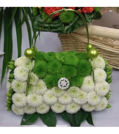 Pretty Purse Bouquet