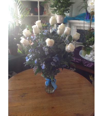 Breathtaking long stem white roses
