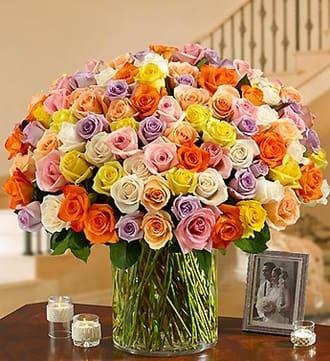 100 Premium Multicolored Roses in a Vase