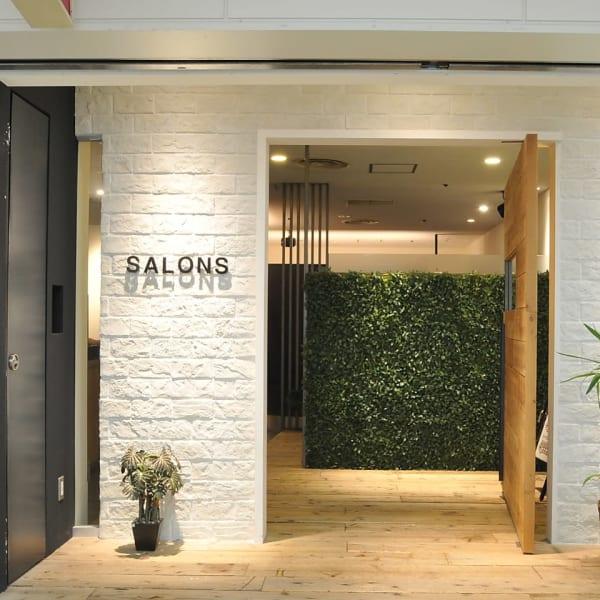 SALONS HAIR JR高槻駅前店