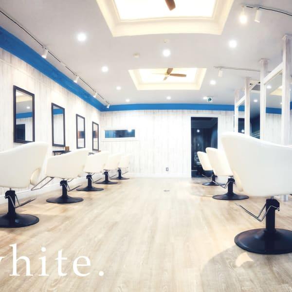 white梅田【ホワイト】