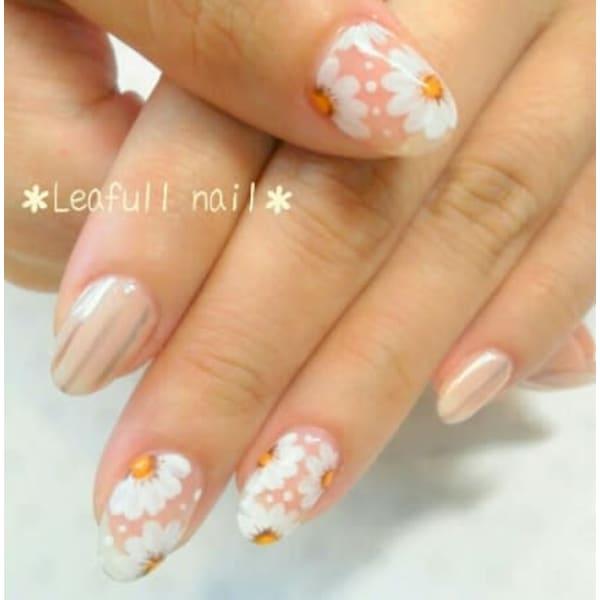 Leafull nail