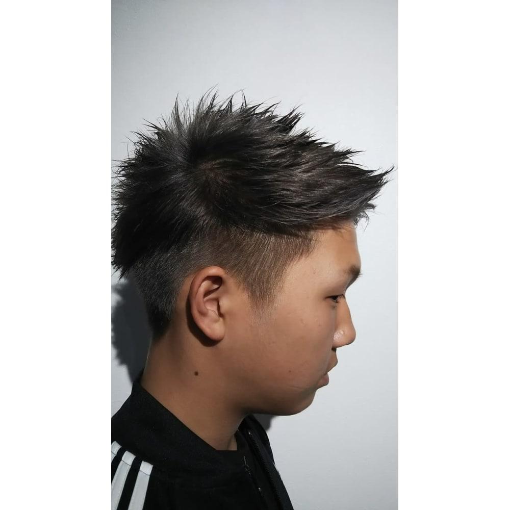 メンズベリーショートワイルド系ツーブロック Voyage Hair Face ヴォヤージュ ヘアー アンド フェイス のヘアスタイル 美容院 美容室を予約するなら楽天ビューティ