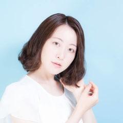 【憧れのサラサラヘアに!】硬い髪の毛はシャンプーで柔らかくできるのか代官山の美容師さんに取材しました