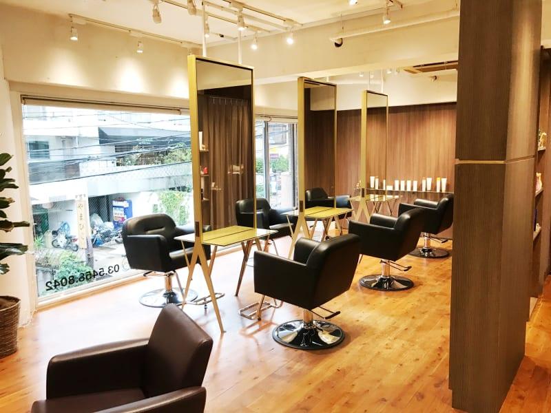 【Que hair(キューヘア)】髪の美しさにこだわる大人の女性のための美容院