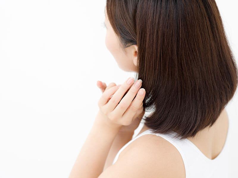硬い髪を柔らかくする方法はあるのか