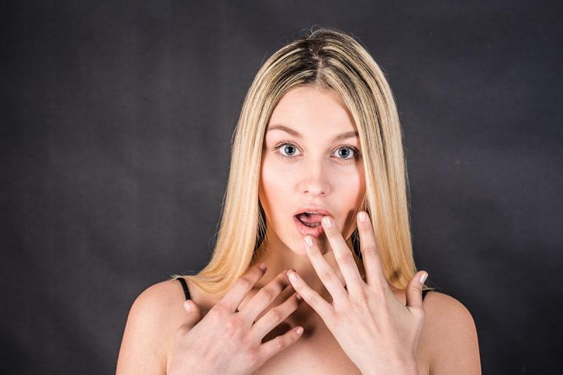 【ヘアカラー直後の毛先は暗い!?】仕組みと対応方法を美容師さん教えます♪ 自由が丘 美容室 Hair lounge aRTE
