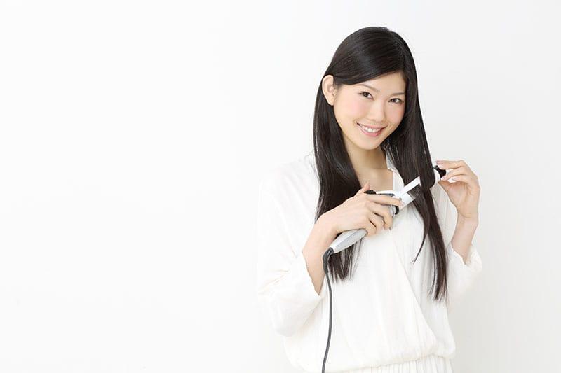 【ヘアスプレーで髪の毛のダメージを軽減!】ヘアアイロンの正しい使い方やヘアスプレーを使ったヘアケアの方法を銀座の美容院の代表に教えてもらいました!