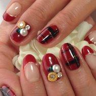赤色タータンチェックのクリスマスネイル