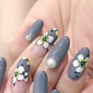【冬も可愛い花柄ネイル】