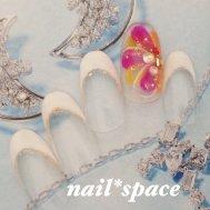 ホワイトフレンチ/秋でもやっぱり花が好き!カラフルネイル