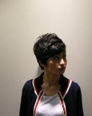 黒髪ショートパーマ