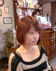 傷んだ髪を『電子トリートメント』を使ったカラーでツヤ、サラに