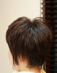 モデル「黒田知永子さん」の髪型