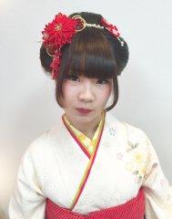 和の奥ゆかしさを引き立てる新日本髪!