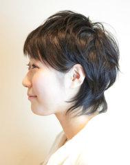 透き通るような毛先のショートスタイル
