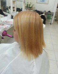 ハイブリーチの強いくせ毛の縮毛矯正難易度たかいアフター画像