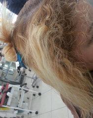 ハイブリーチの強いくせ毛の縮毛矯正難易度たかい矯正前画像