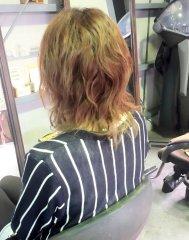 クセ毛を生かしたローレイヤースタイル