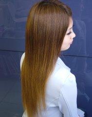 ツヤツヤ&サラサラの極上ストレートヘア