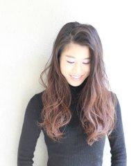 【サイドパート】根本暗髪×無造作カール