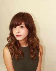 【KAINO上野芝】ツヤカラーで大人可愛いコテ巻きスタイル