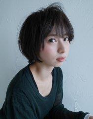 【モード】グレイッシュカラー×大人ショートヘア