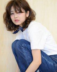 【krabat】 ゆるカールのセミウェットミディー