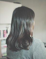 ナチュラルな黒髪スタイル