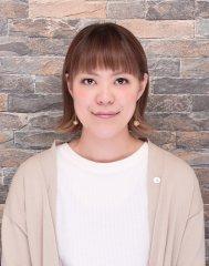 岡 真紀子