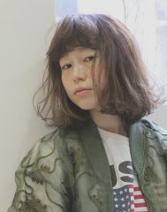 髪を柔らかく見せる!ハイライトカラー+カット