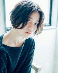 [Gigi]ハリ 黒髪で大人かわいいノームコアボブ