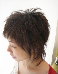 アクティブな毛束感で魅了する ショートスタイル