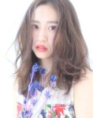 パーソナルカラー☆彡センターパート抜け感エアリーセミディ