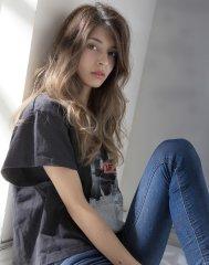 ダメージの髪もサラツヤに☆髪質改善カラーで綺麗なウェーブヘア