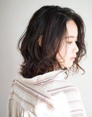 30代におすすめ前髪なしのミディアムパーマ